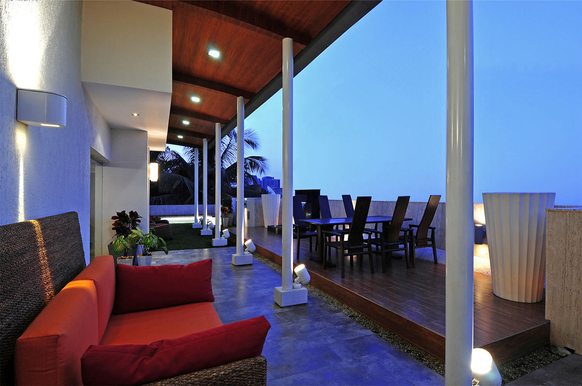 Terrace, Outdoor Seating, Three Story Home, Mumbai, India by ZZ Architects