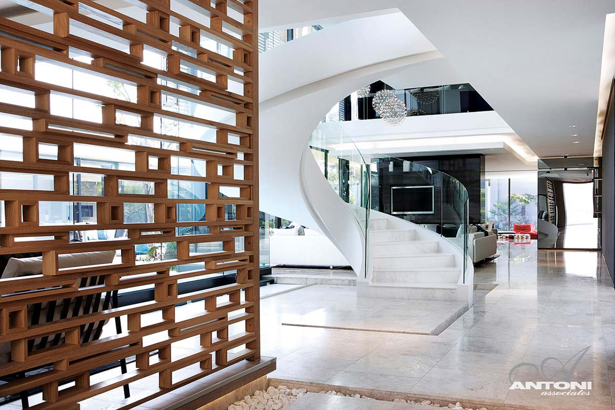Wrap Around Stairs, Houghton Residence, Johannesburg, South Africa