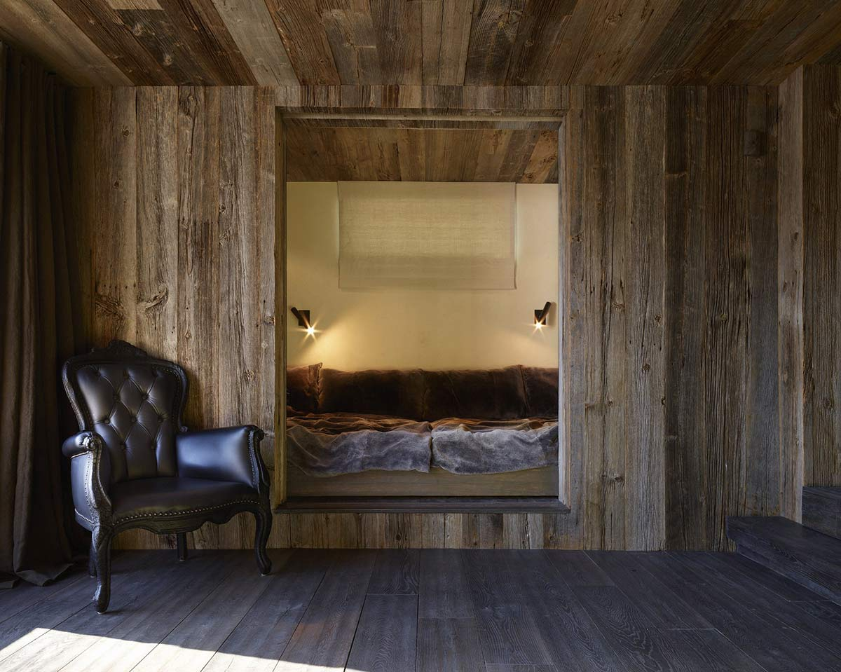 Bedroom, La Muna, Aspen, Colorado by Oppenheim Architecture + Design