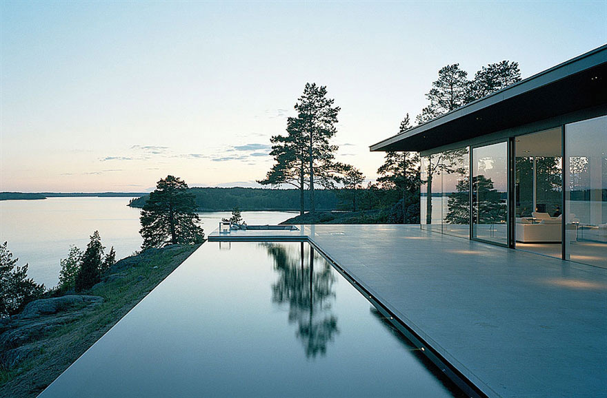 Infinity pool lake views stunning lake house in sweden for House with a view