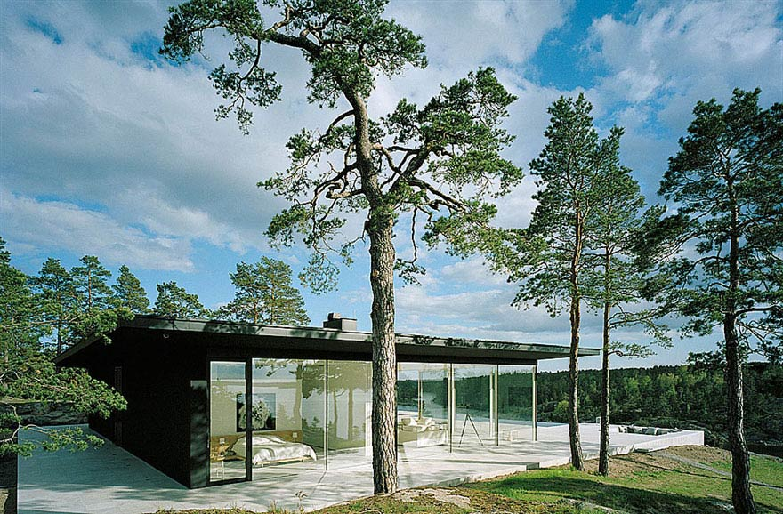 Stunning Lake House in Sweden