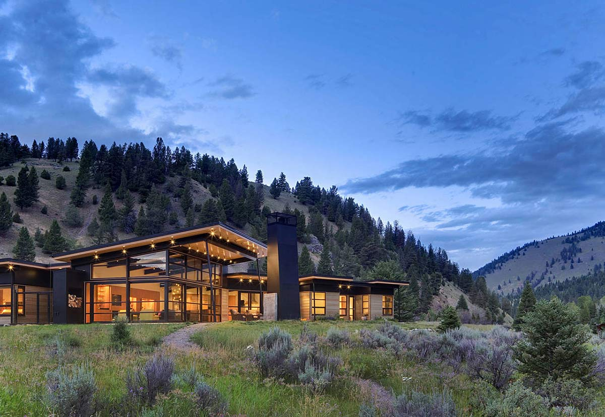 River bank house montana by balance associates architects for House plans for homes with a view