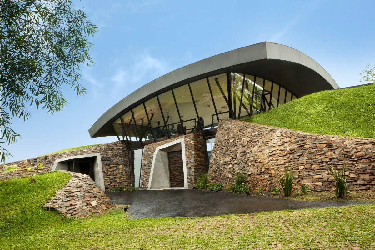 Entrance, Two Homes in Luque, Paraguay, by Bauen