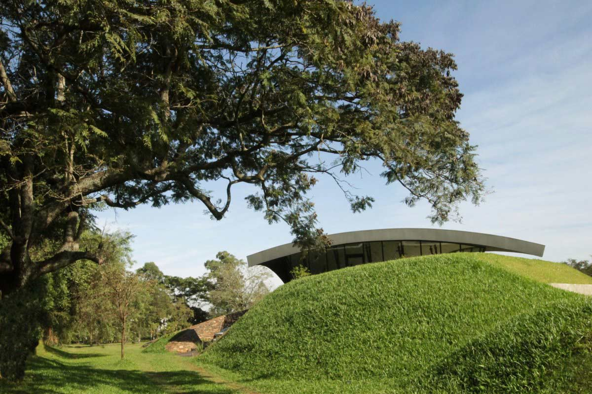 Grass Hills / Mounds, Two Homes in Luque, Paraguay, by Bauen
