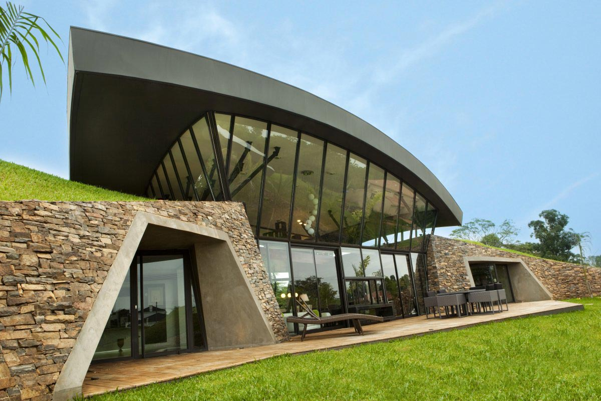 Two Homes in Luque, Paraguay, by Bauen