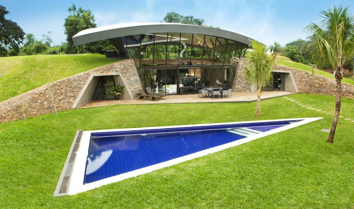 Two Houses in Luque, Paraguay, by Bauen