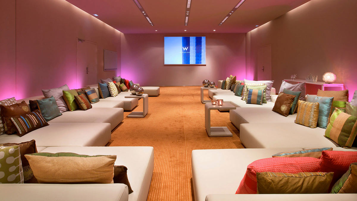 Meeting room w hotel barcelona by ricardo bofill for Design hotel w barcelona