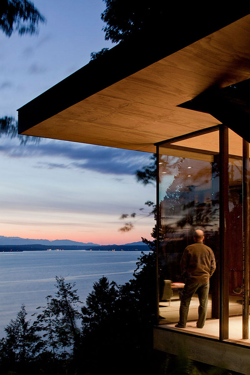 Glass Walls, Inlet Views, Vacation Home with Amazing Inlet Views in Washington