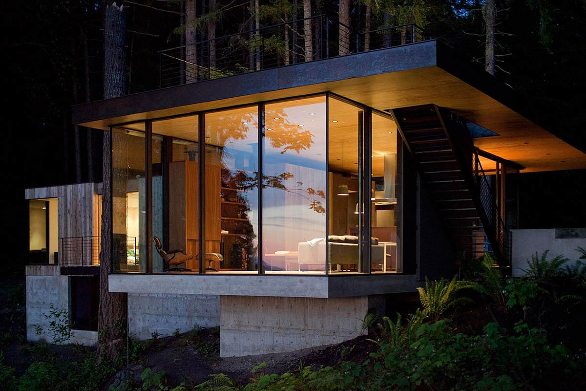 Glass Walls, Vacation Home with Amazing Inlet Views in Washington