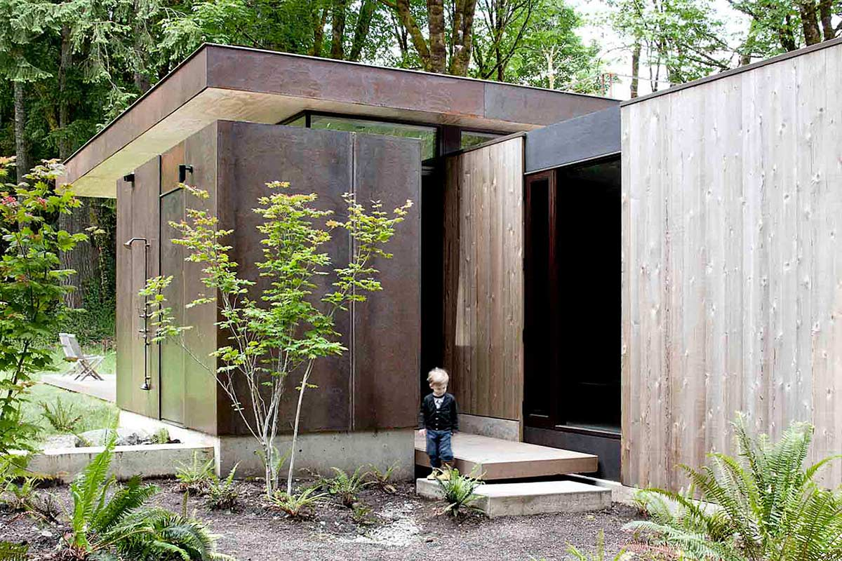 Outdoor Shower, Vacation Home with Amazing Inlet Views in Washington