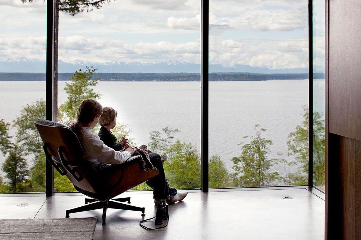 Views Across the Water, Vacation Home with Amazing Inlet Views in Washington