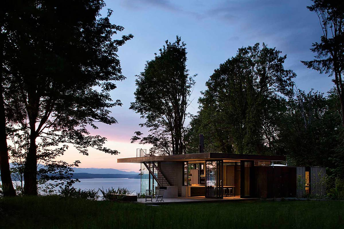 Views, Vacation Home with Amazing Inlet Views in Washington