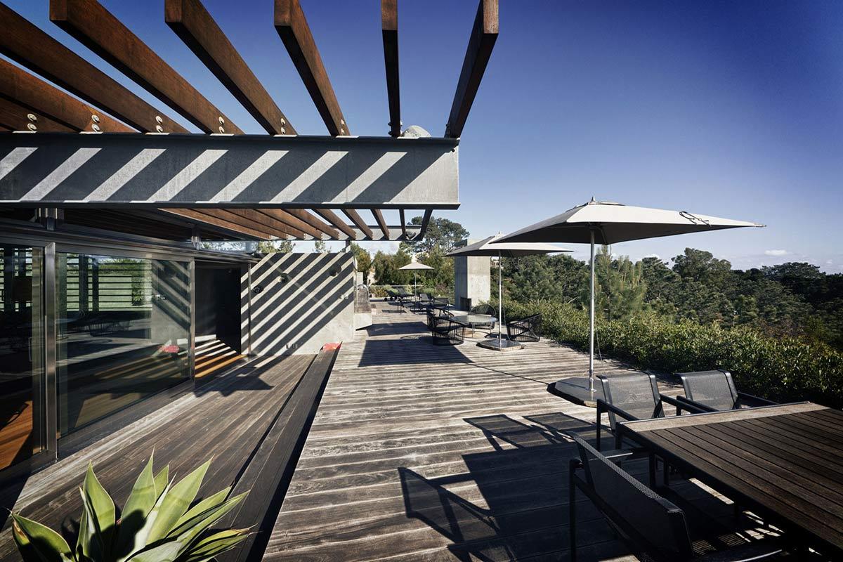 Terrace pergola outdoor living extraordinary for Terrace pergola