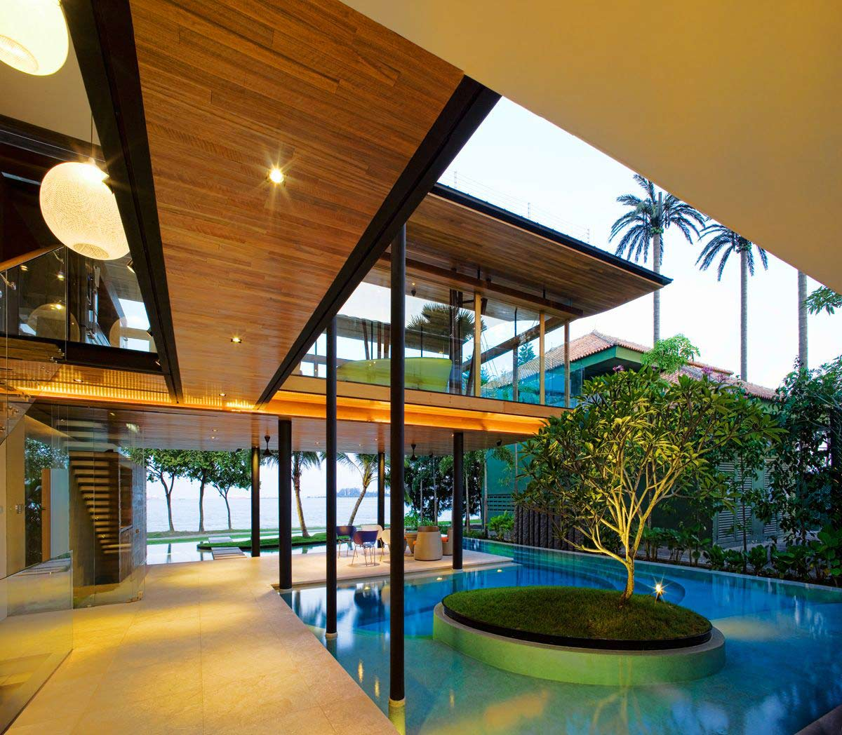 Glass walls terrace pool stunning beachfront home with for Terrace house singapore