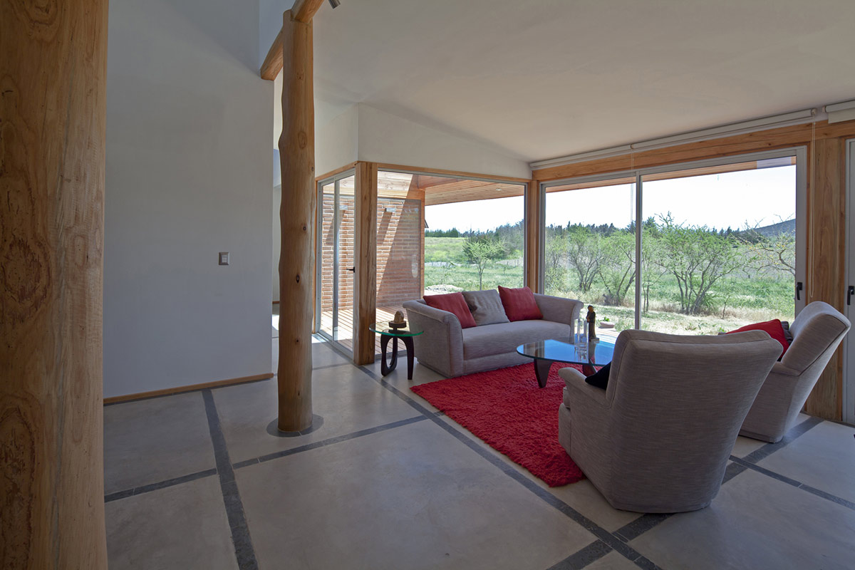 Living Space, Home in Chile with Japanese Influences
