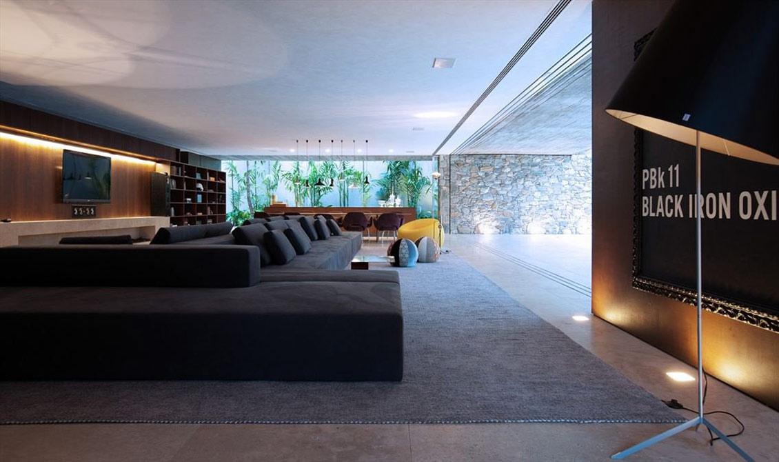 Living Space, Concrete House in São Paulo, Brazil