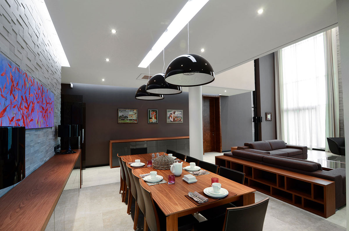 Dining Table, Textured Wall, Large Family Residence in Kiev, Ukraine