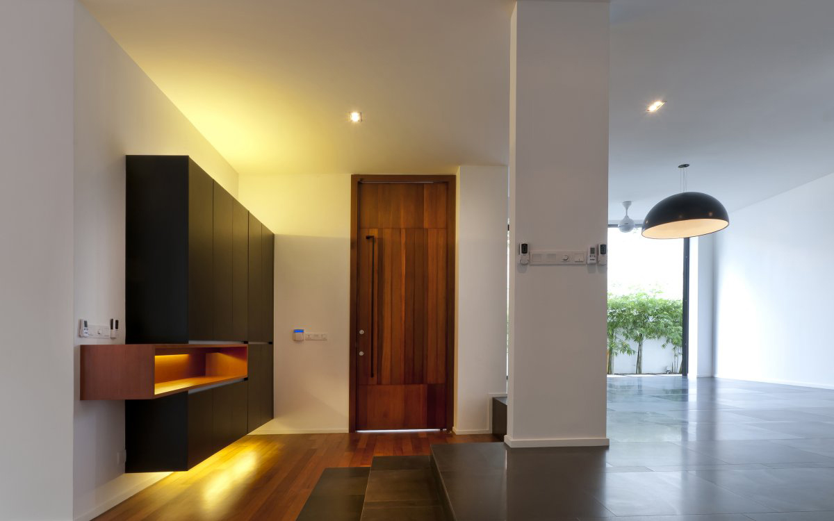 Entrance front door hall lighting modern home in kuala for Modern entrance door design