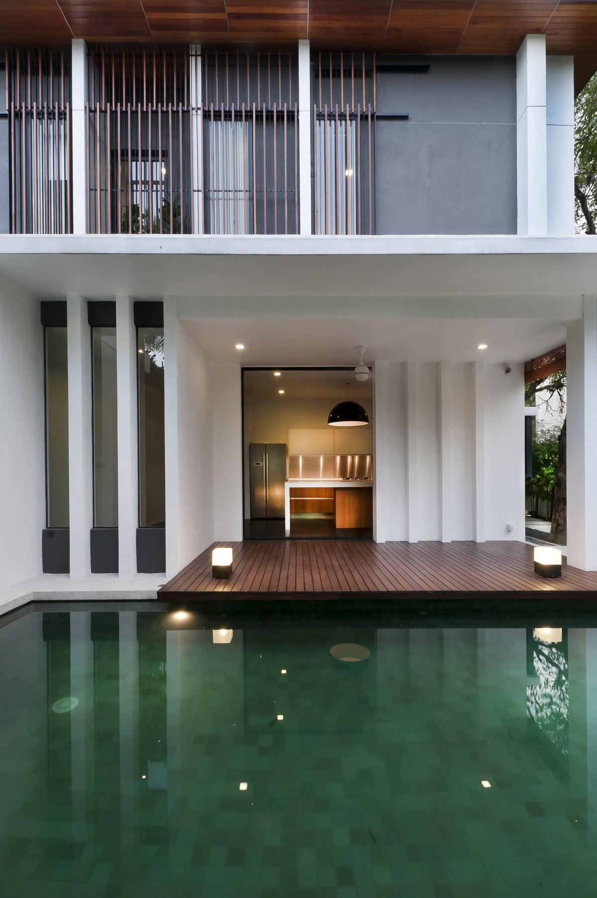 Pool, Deck, Lighting, Modern Home in Kuala Lumpur