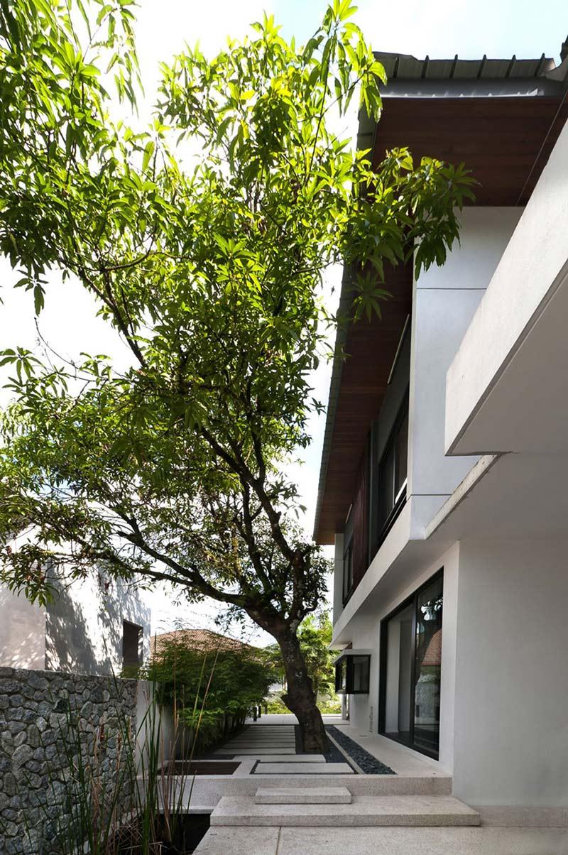 Water Feature, Terrace, Modern Home in Kuala Lumpur