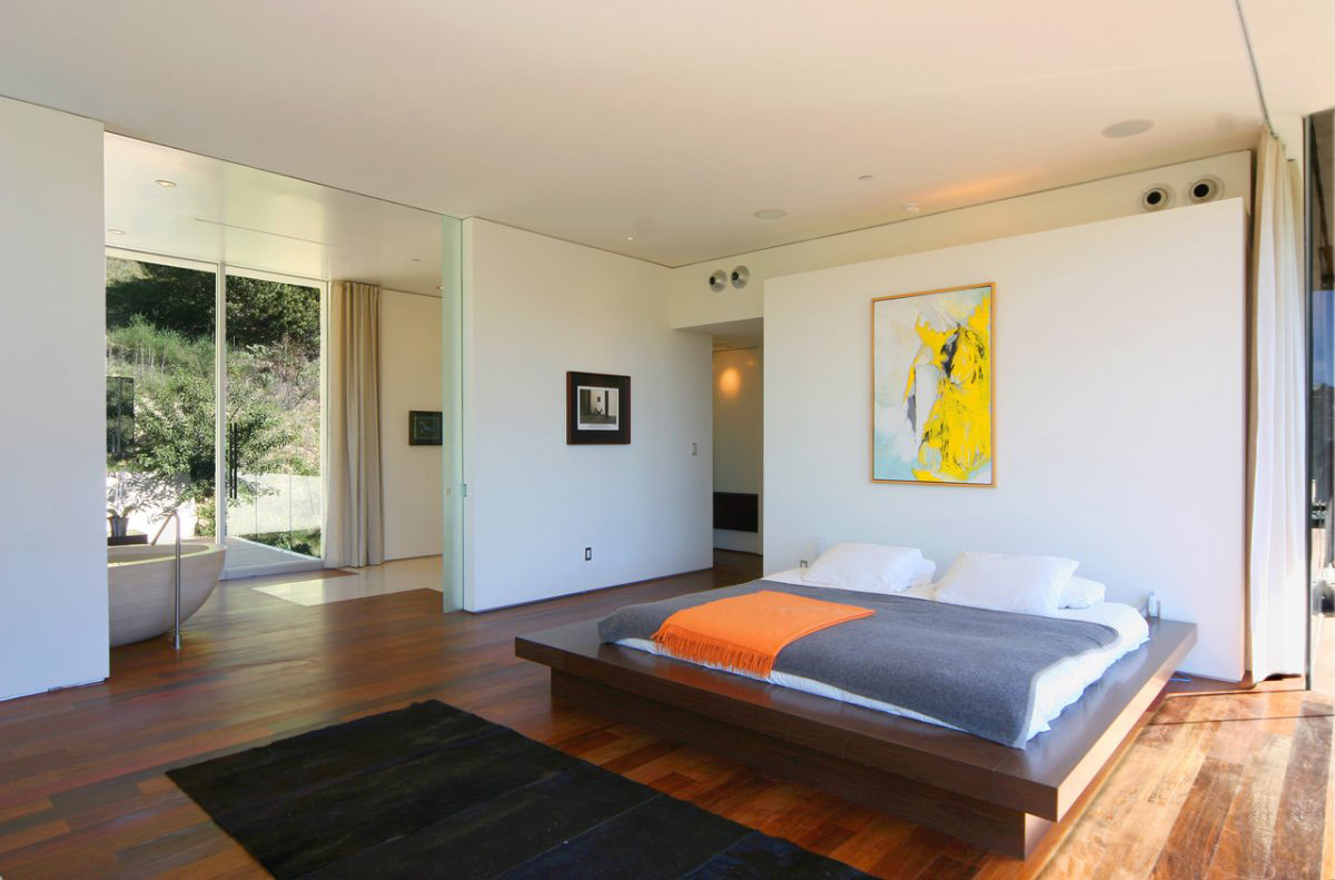 Bedroom, Bathroom, Modern Residence in Beverly Hills