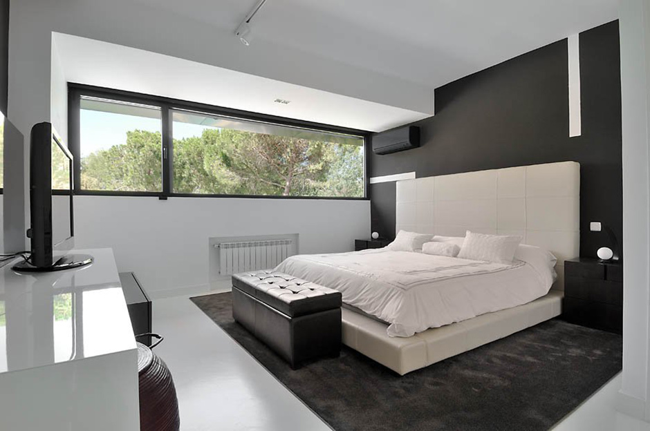 Black & White Bedroom, Modern Renovation in Madrid, Spain