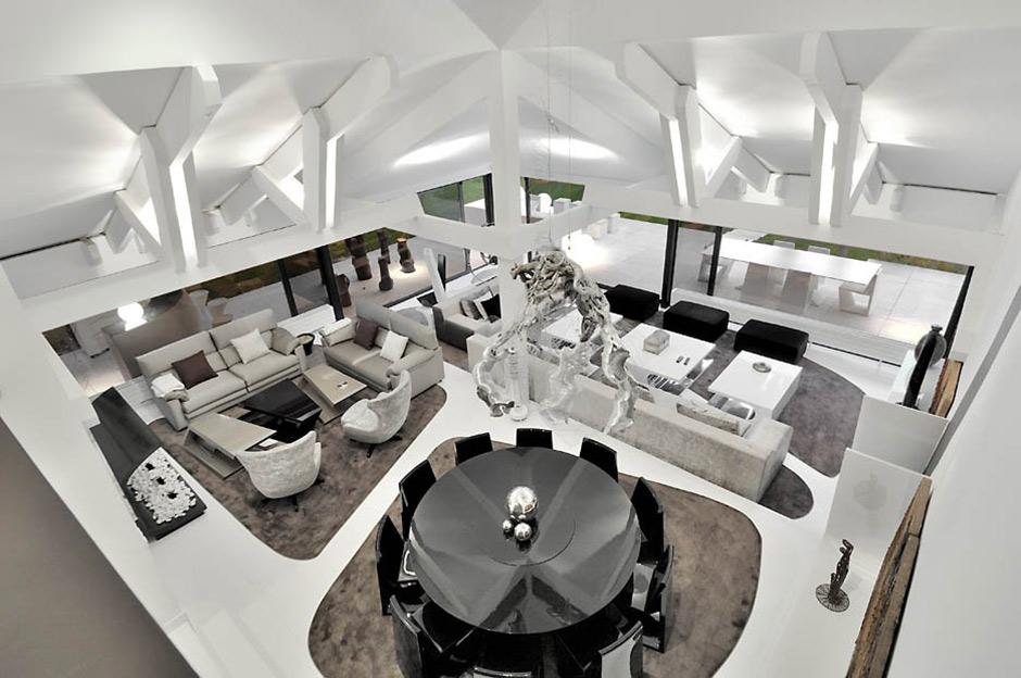Living Space, Modern Renovation in Madrid, Spain