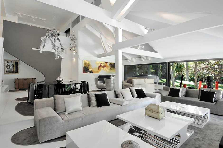 Open Plan, Grey Sofas, Modern Renovation in Madrid, Spain