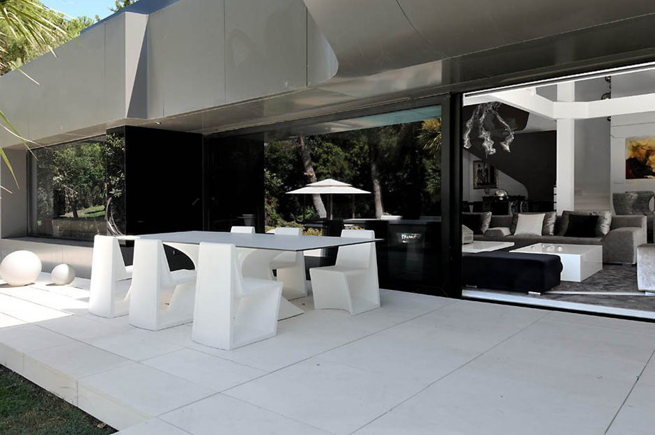 Outdoor Dining, Terrace, Modern Renovation in Madrid, Spain
