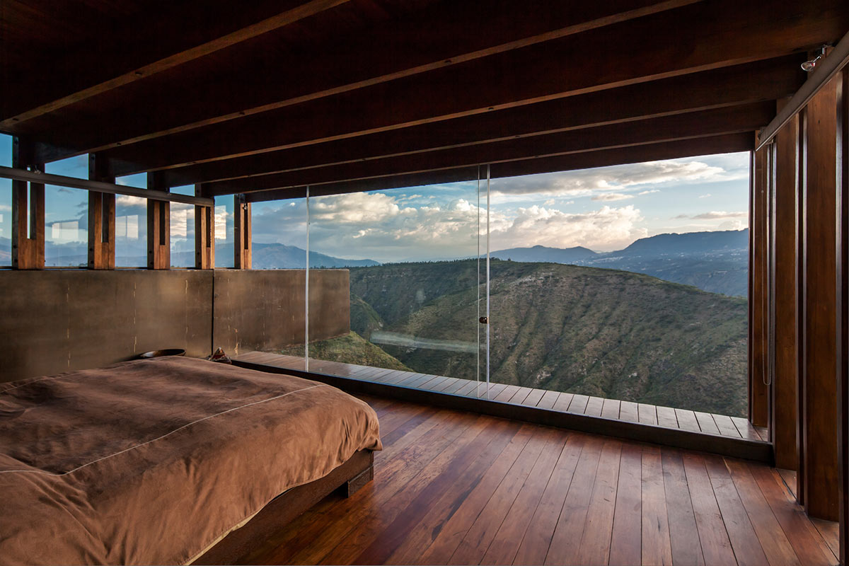 Mountain home with incredible views in ecuador for Incredible house designs