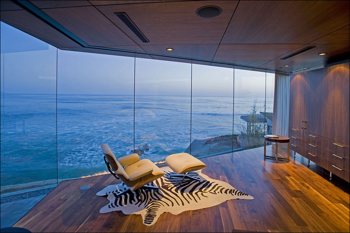 Bedroom Views, Glass Walls, Exquisite Ocean Front Residence in La Jolla, California