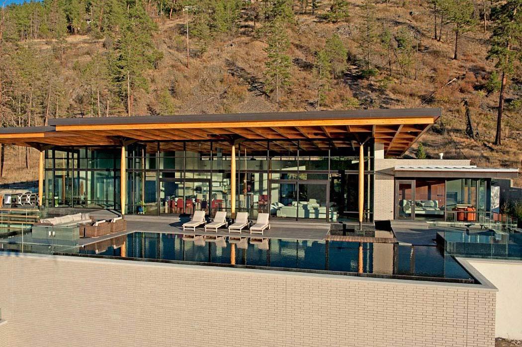 Infinity Pool, Outdoor Living, Exceptional Hillside Home Overlooking Okanagan Lake, Canada