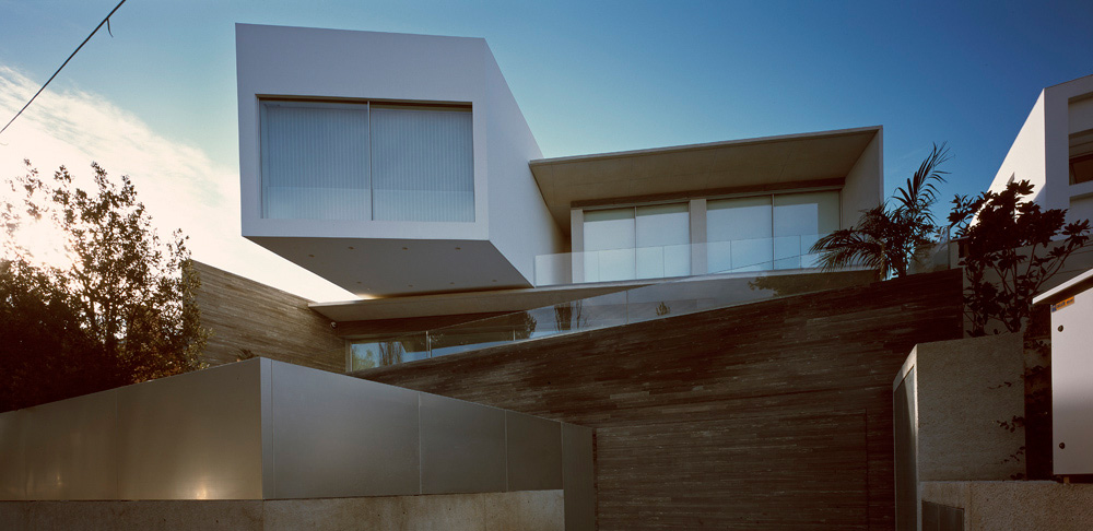 Acropolis Inspired Psychiko House, Athens by Divercity Architects