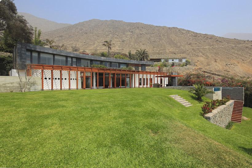 Mountain Views, Summer Home in Lima, Peru