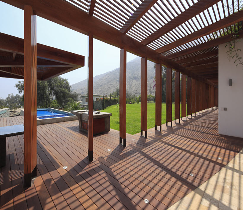 Pergola, Decking, Pool, Summer Home in Lima, Peru