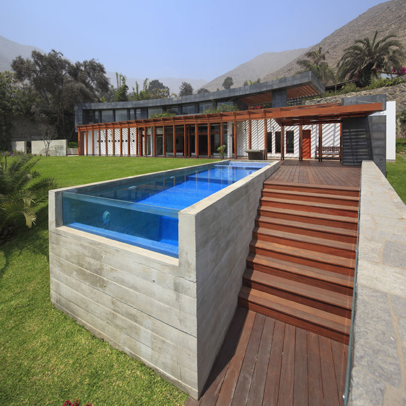 Glass Pool, Summer Home in Lima, Peru