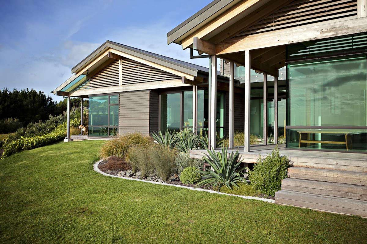 Garden, Deck, Elegant Contemporary Home in Te Horo, New Zealand