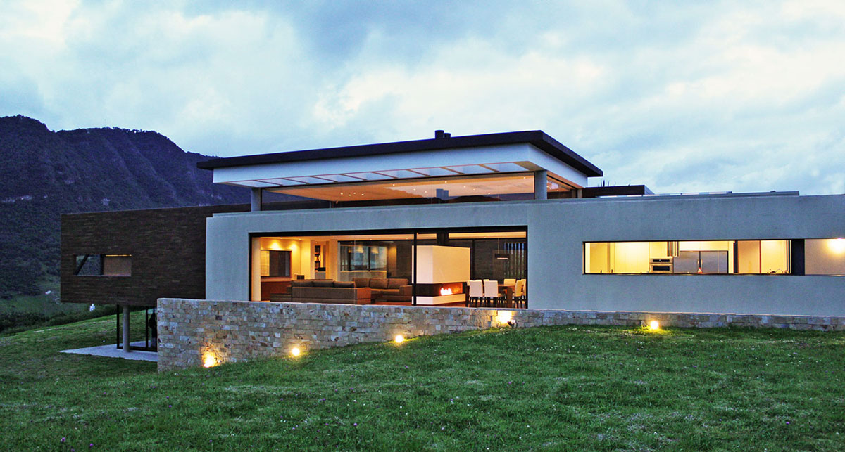 AR House with Panoramic Mountain Views in La Calera, Colombia