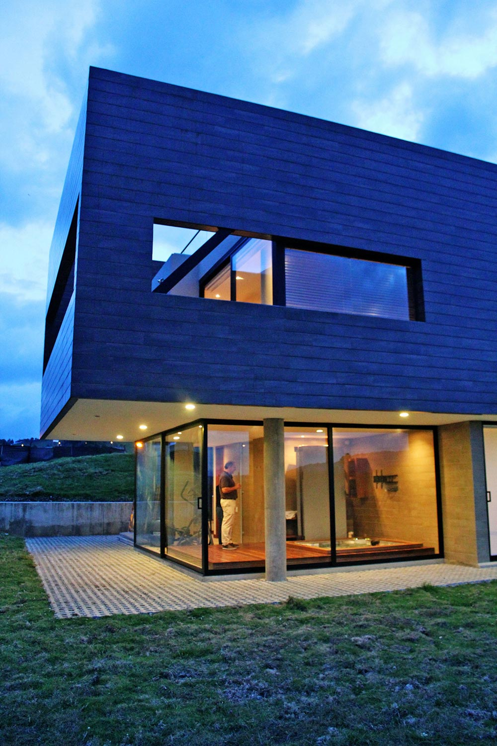 Glass Walls, AR House in La Calera, Colombia