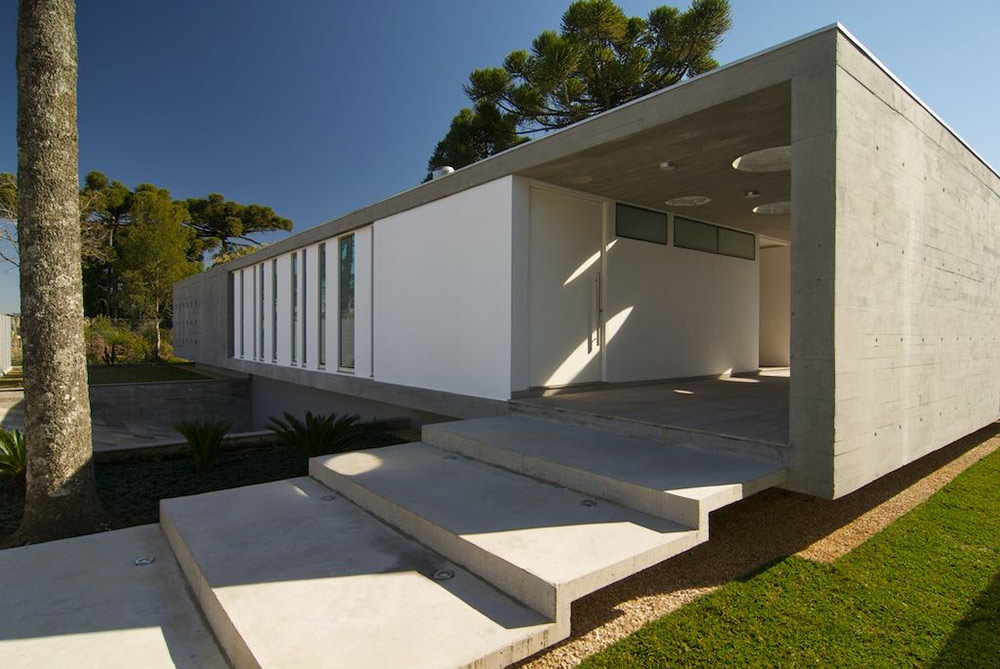 Modern bungalow in bento gon alves brazil for Modern concrete home designs