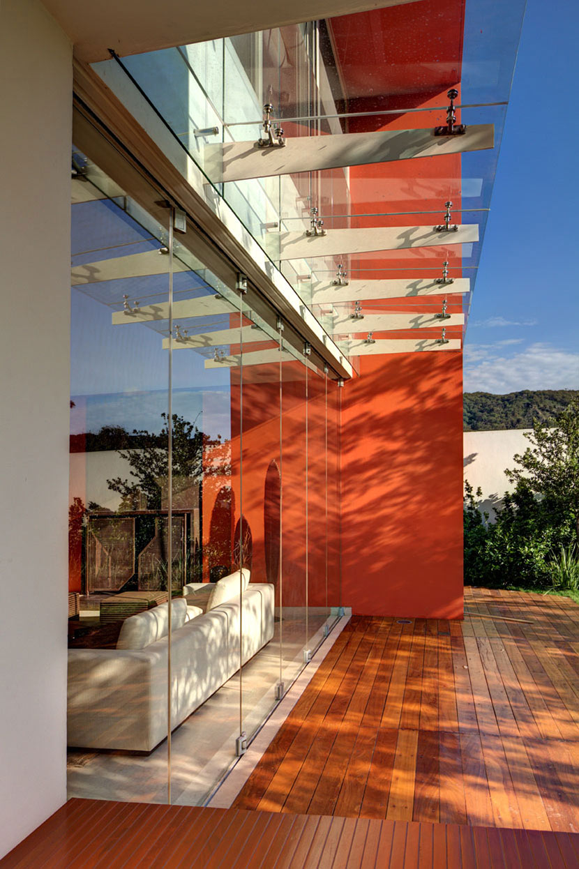 Glass Walls, Wooden Decking, Modern Family Home in Zapopan, Mexico
