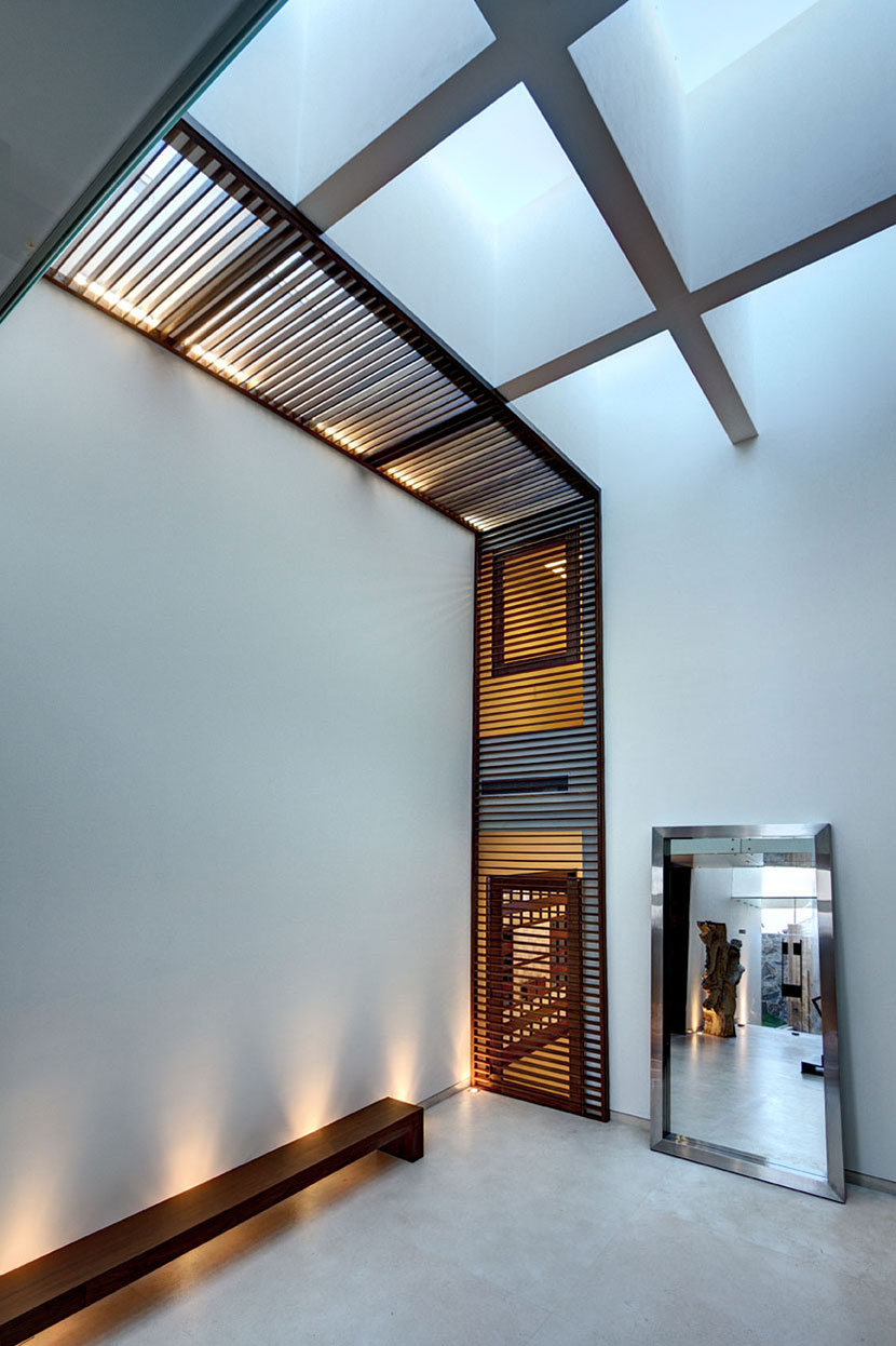 Hall, Mirror, Modern Family Home in Zapopan, Mexico
