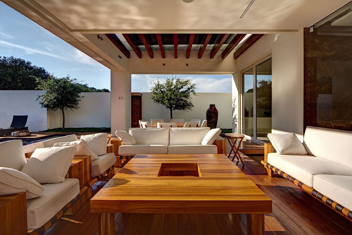 Pergola, Outdoor Living Space, Modern Family Home in Zapopan, Mexico