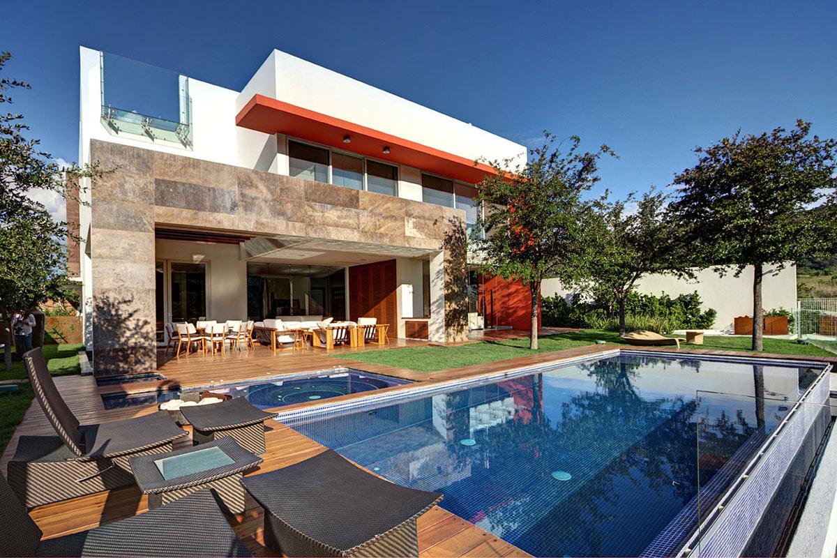 Modern Family Home in Zapopan, Mexico