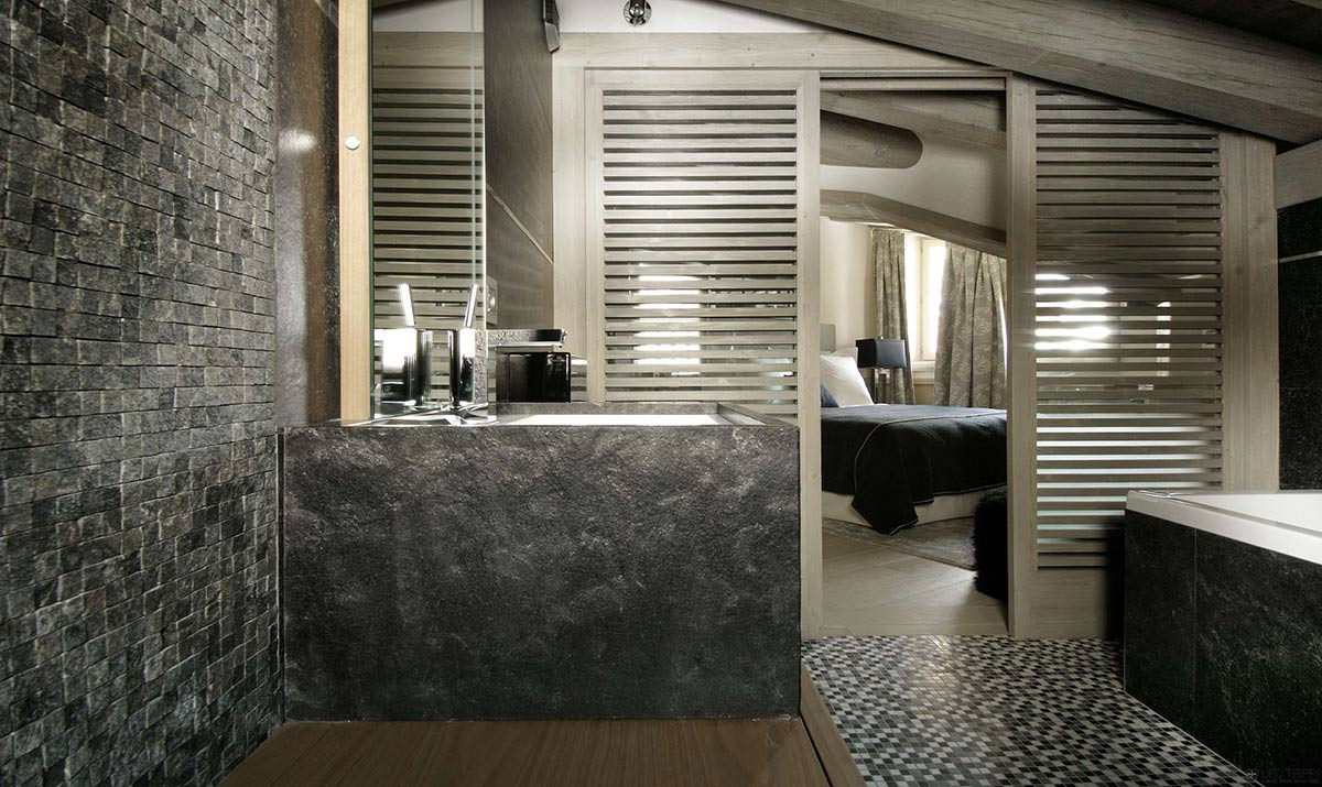 Bathroom, Stone Tiles, Chalet Black Pearl in Val d\'Isère