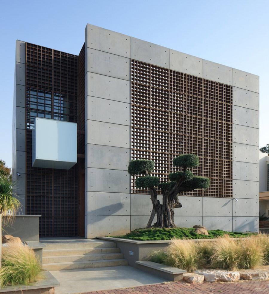 Unique Concrete House in Israel