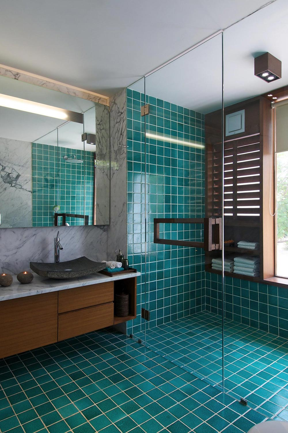 Bathroom, Glass Shower Room, Courtyard House by Hiren Patel Architects