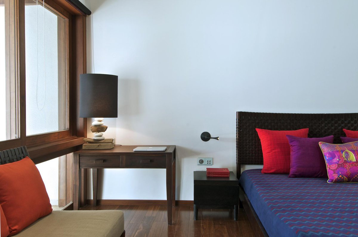 Bedroom Lighting, Courtyard House by Hiren Patel Architects