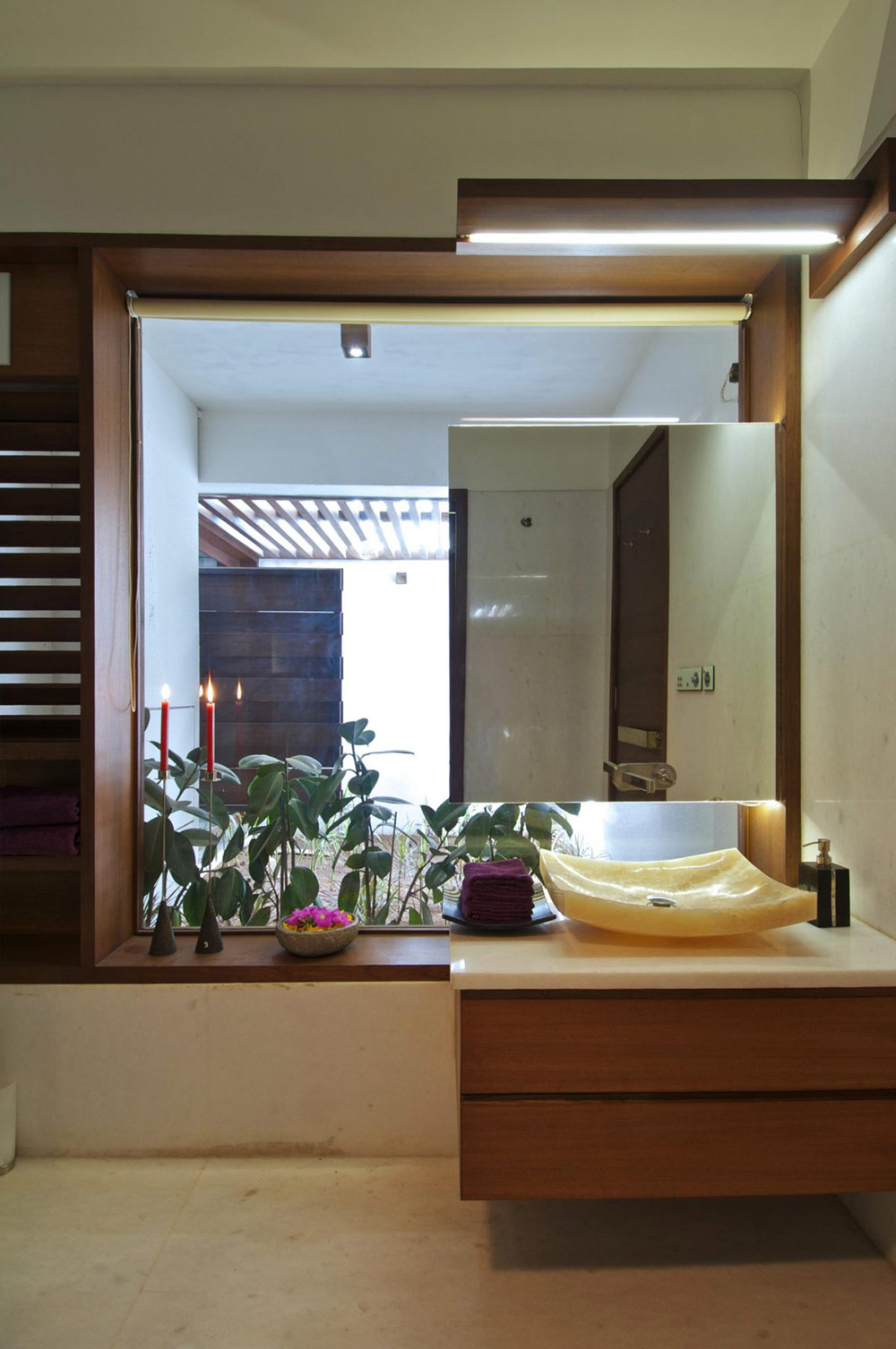 Marble Sink, Courtyard House by Hiren Patel Architects