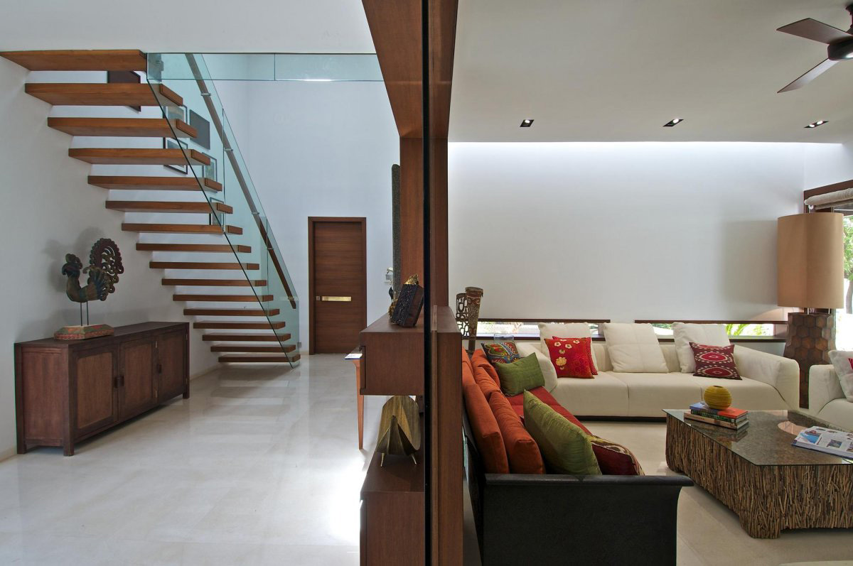 Modern Glass & Wood Stairs, Courtyard House by Hiren Patel Architects